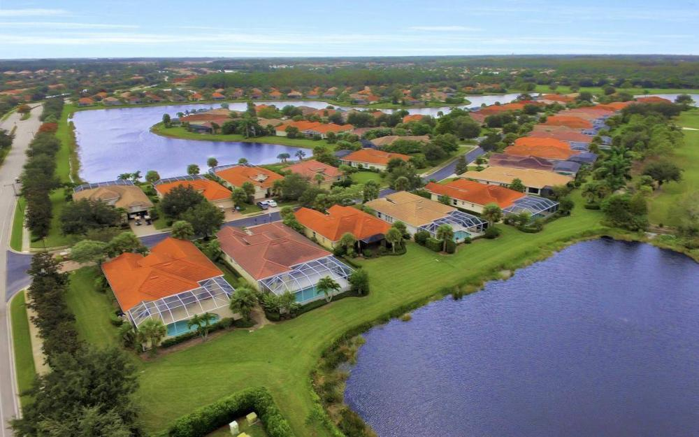 10539 Bellagio Dr, Fort Myers - Home For Sale 1774921207