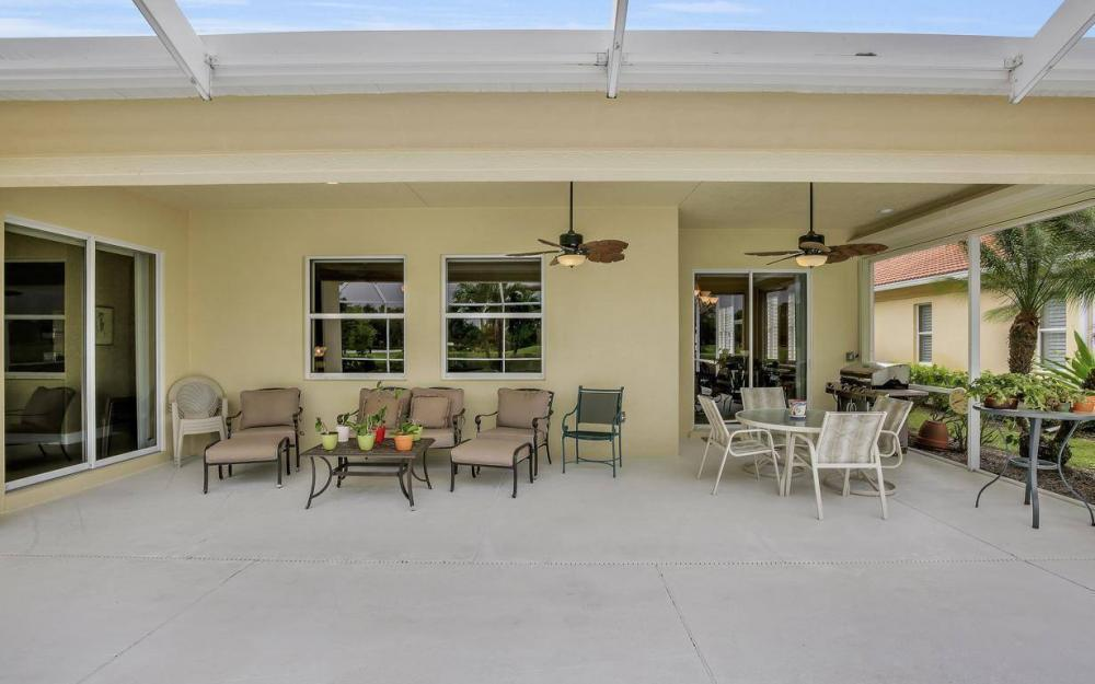 10539 Bellagio Dr, Fort Myers - Home For Sale 80829894