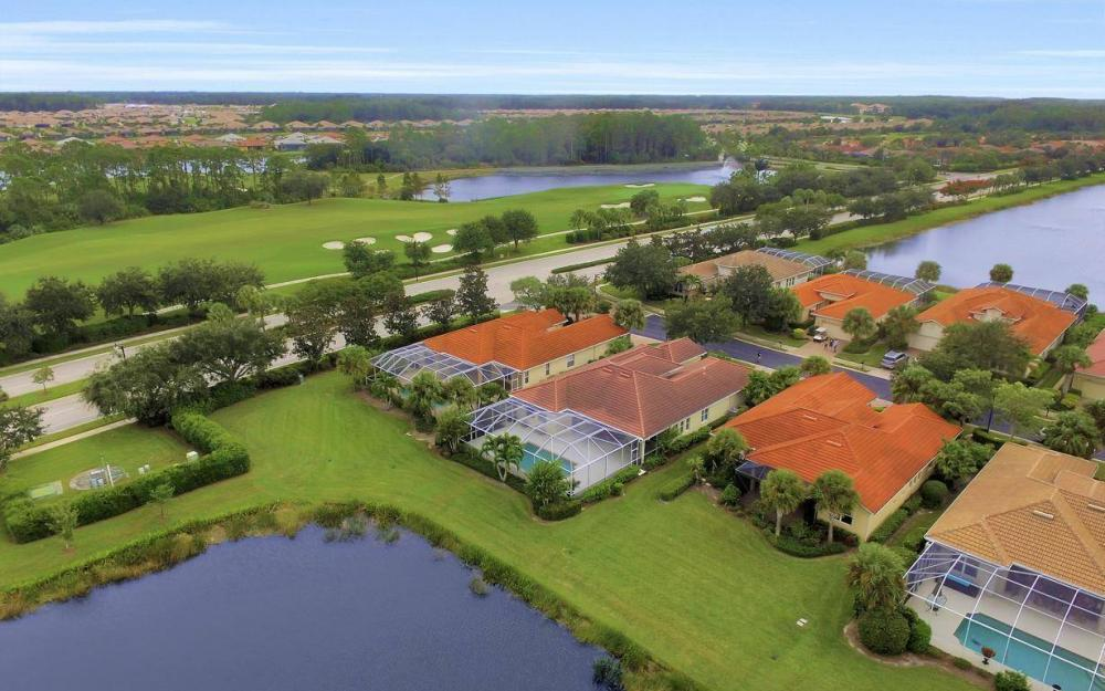 10539 Bellagio Dr, Fort Myers - Home For Sale 803211763