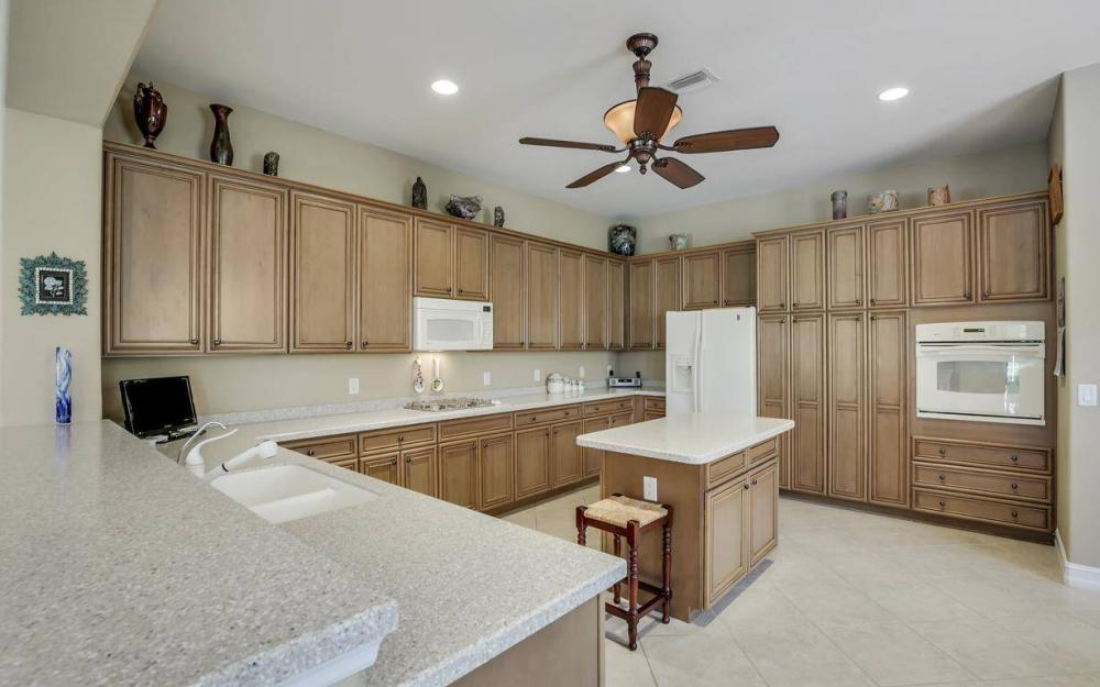 10539 Bellagio Dr, Fort Myers - Home For Sale 1919224793