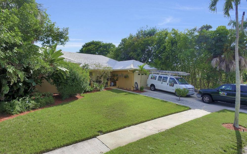 829 Saturn Ct, Marco Island - Home For Sale 733442205