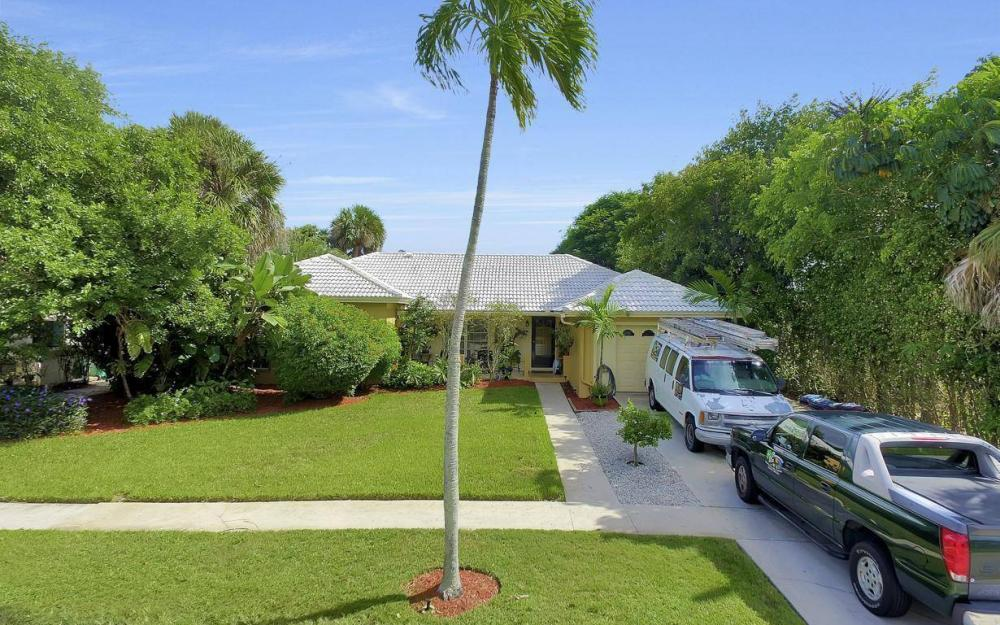 829 Saturn Ct, Marco Island - Home For Sale 1669290139