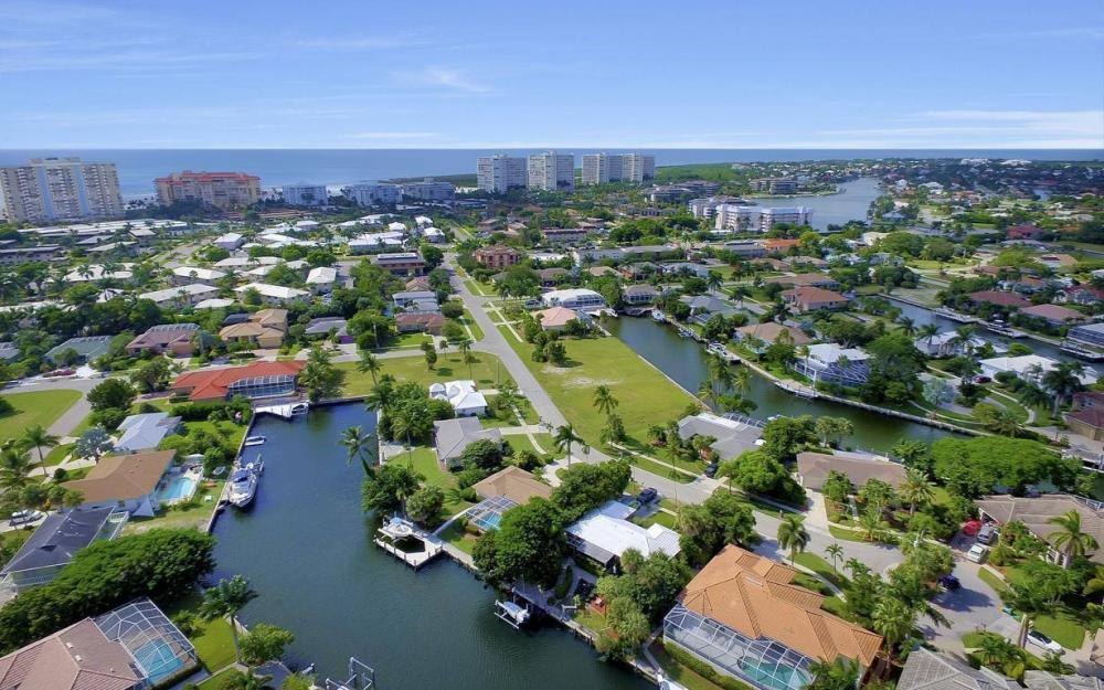 829 Saturn Ct, Marco Island - Home For Sale 1733662945