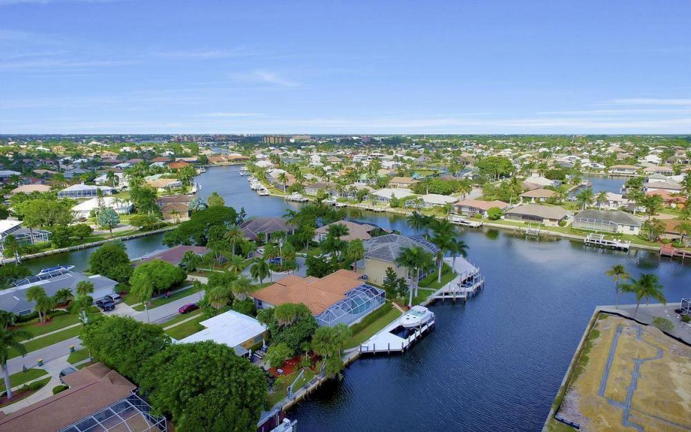 829 Saturn Ct, Marco Island - Home For Sale 1568899215