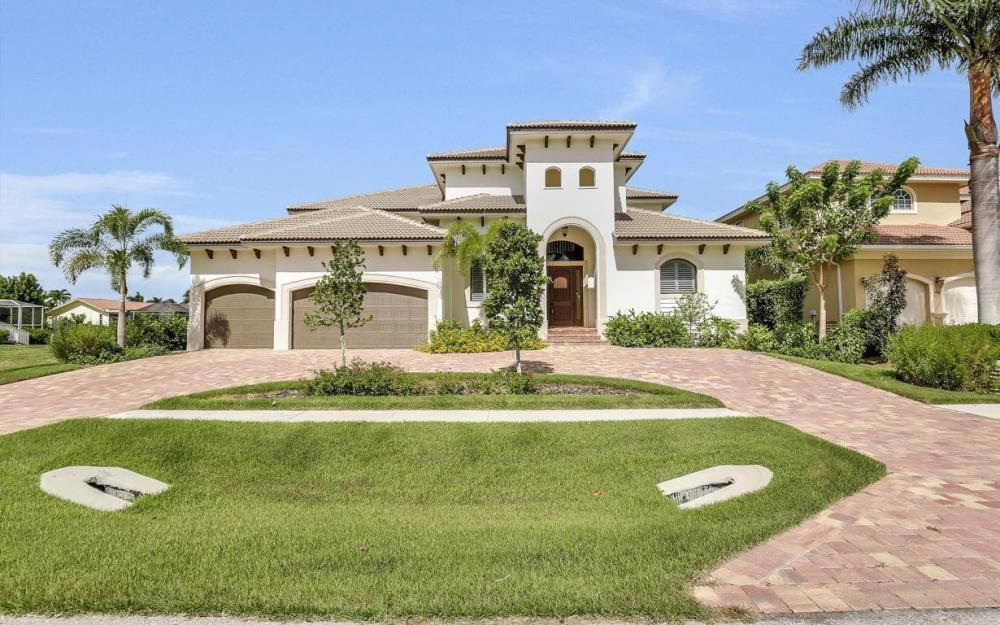 1812 Maywood Ct, Marco Island - Home For Sale 1040564372