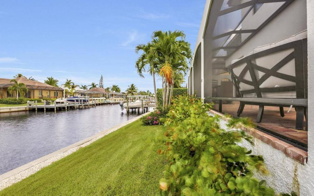 1812 Maywood Ct, Marco Island - Home For Sale 2076509277