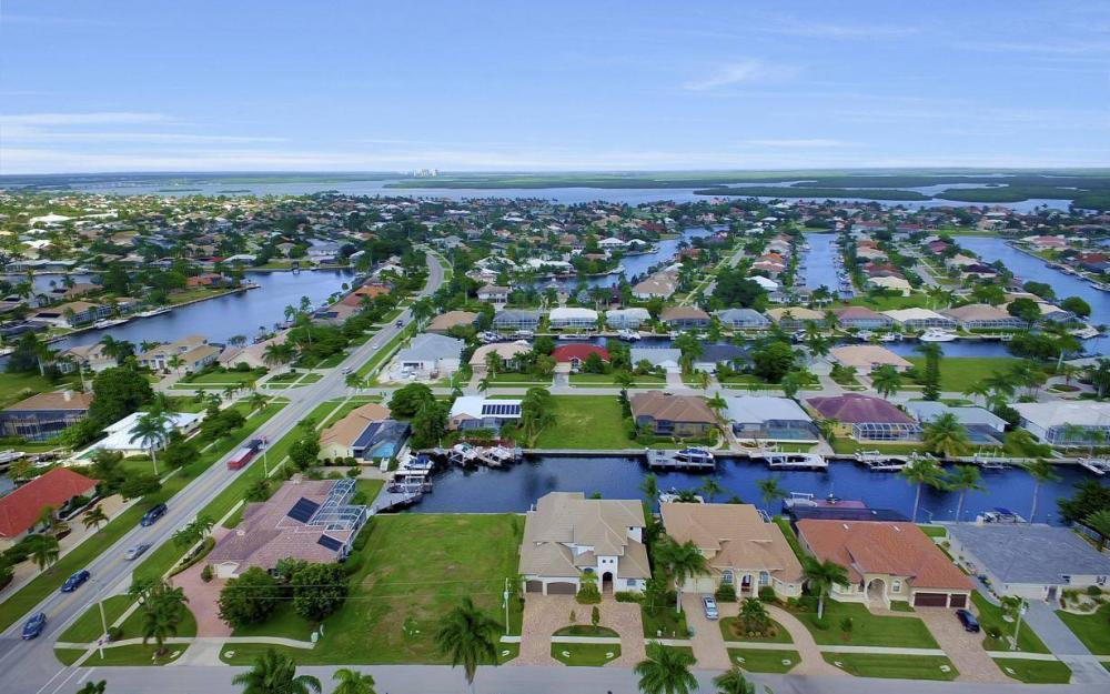 1812 Maywood Ct, Marco Island - Home For Sale 776559829