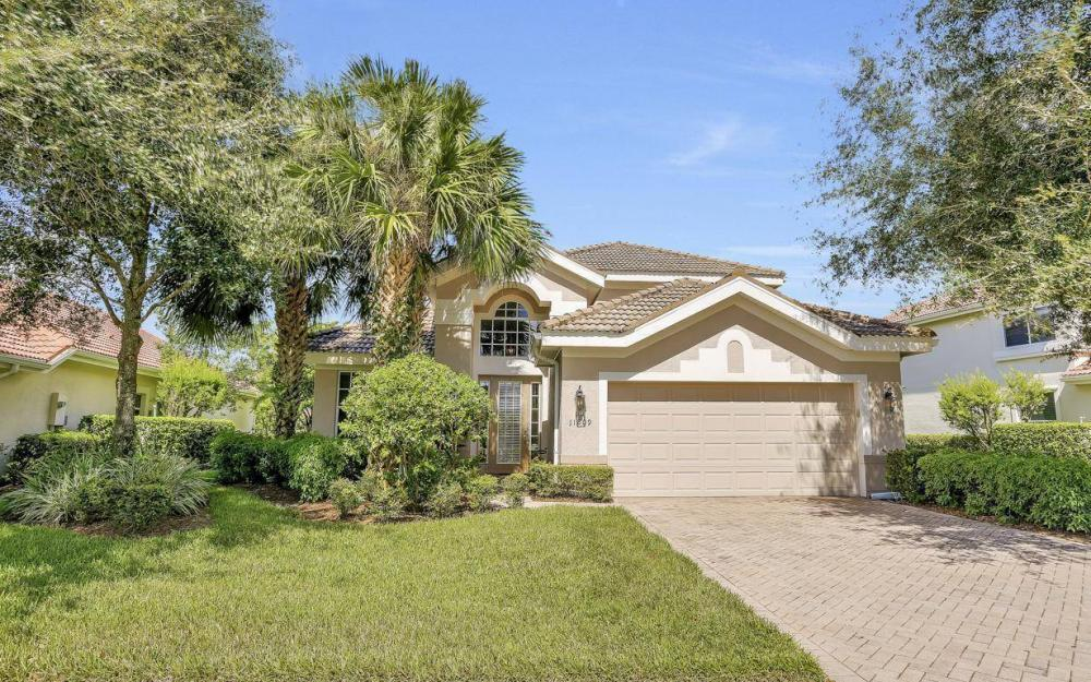 11809 Bramble Ct, Naples - Home For Sale 675828081