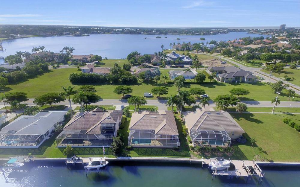 1630 Winterberry Dr, Marco Island - Home For Sale 751090372