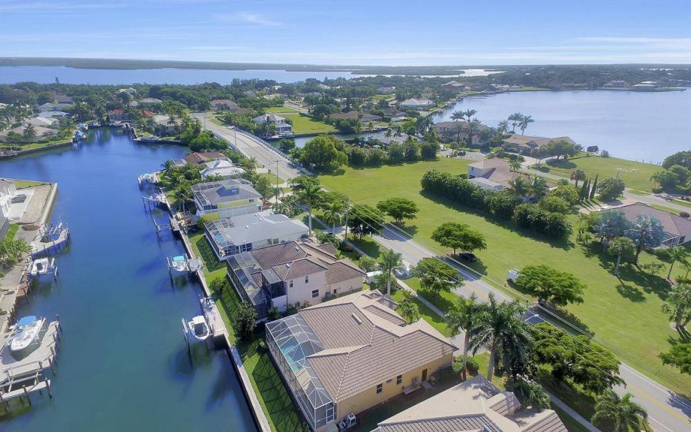 1630 Winterberry Dr, Marco Island - Home For Sale 1693958038