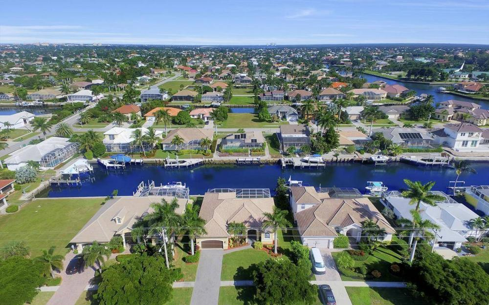 1630 Winterberry Dr, Marco Island - Home For Sale 1870028557