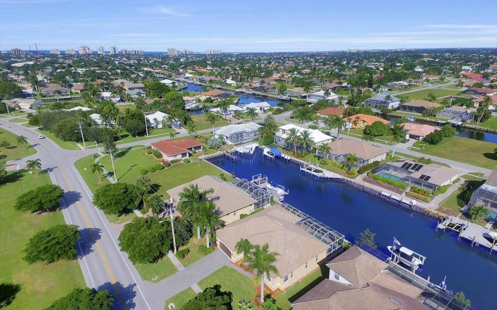 1630 Winterberry Dr, Marco Island - Home For Sale 325920876