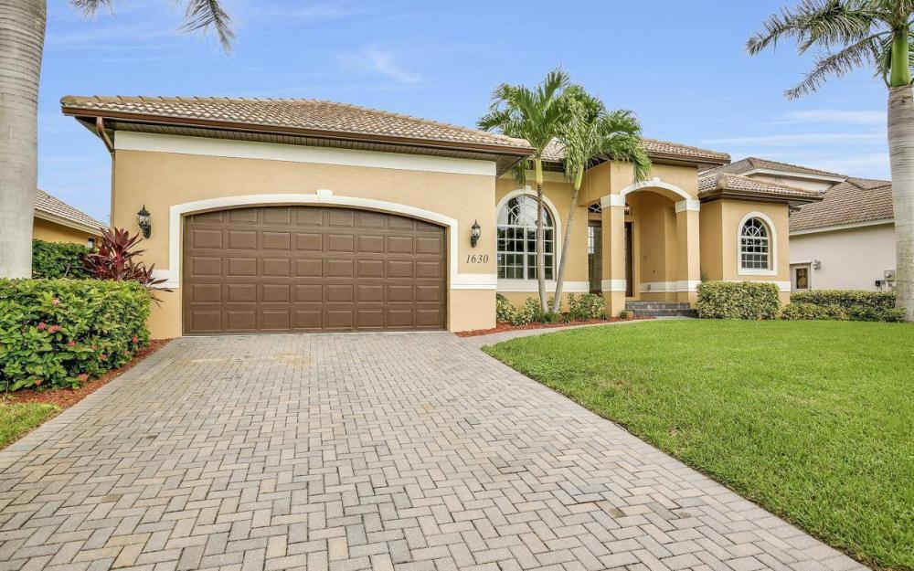 1630 Winterberry Dr, Marco Island - Home For Sale 529480459