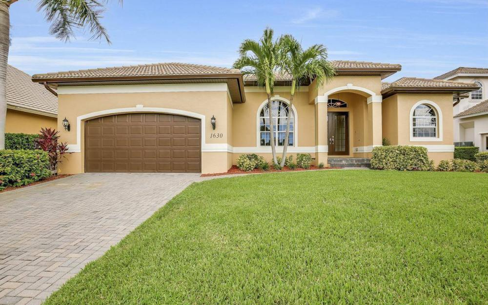 1630 Winterberry Dr, Marco Island - Home For Sale 1168121740