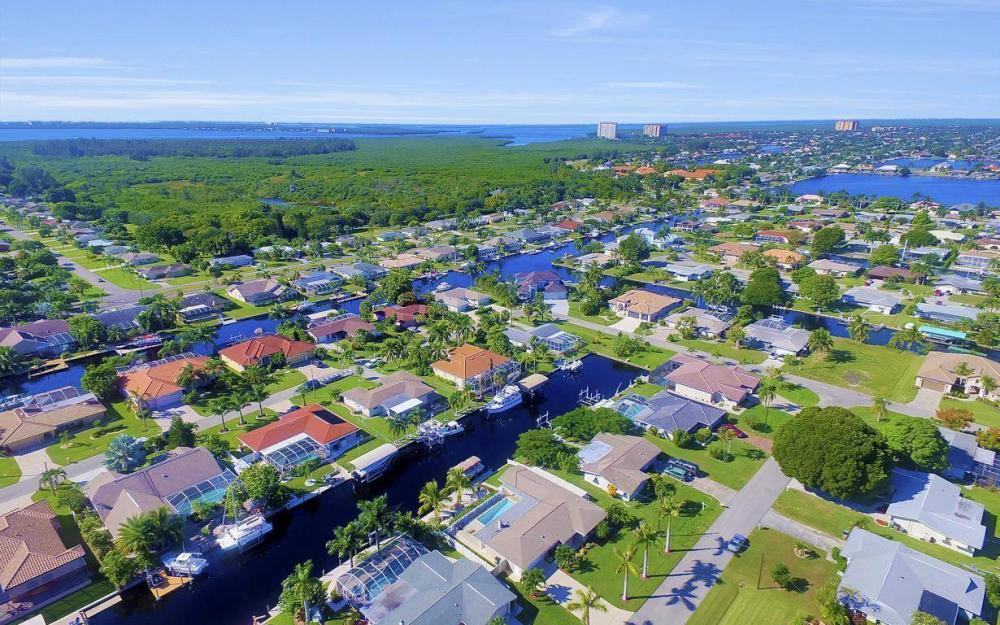 148 SW 54th St, Cape Coral - Home For Sale 1303072487