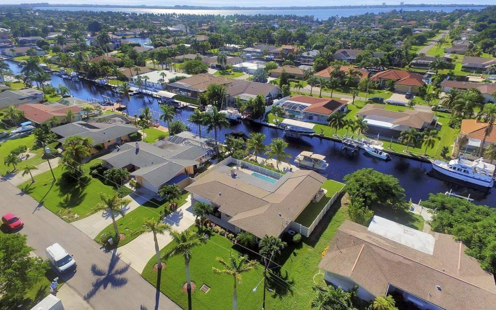 148 SW 54th St, Cape Coral - Home For Sale 533458111