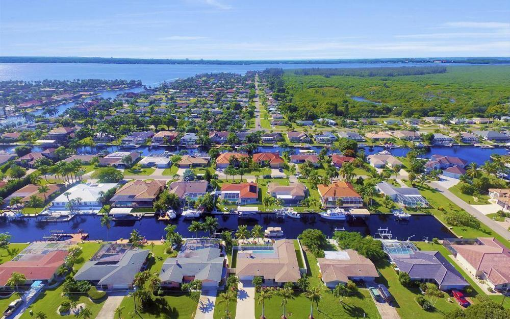 148 SW 54th St, Cape Coral - Home For Sale 2106560026