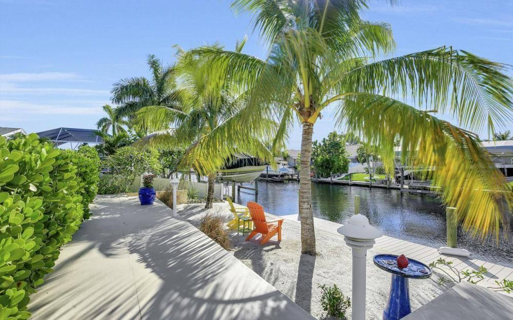 148 SW 54th St, Cape Coral - Home For Sale 1665555233