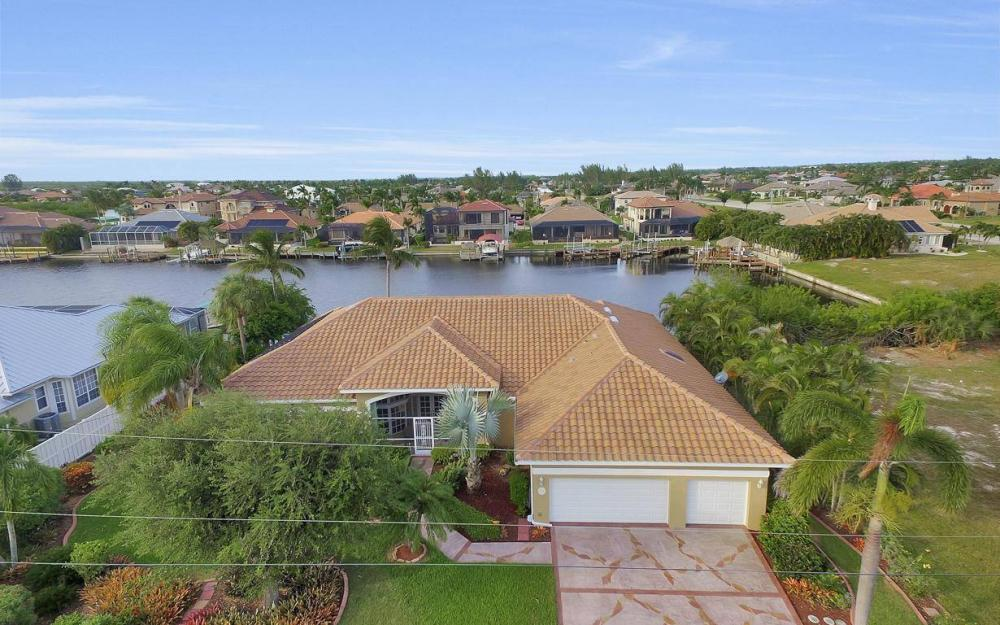 2813 SW 43rd Ln, Cape Coral - Home For Sale 1785696286