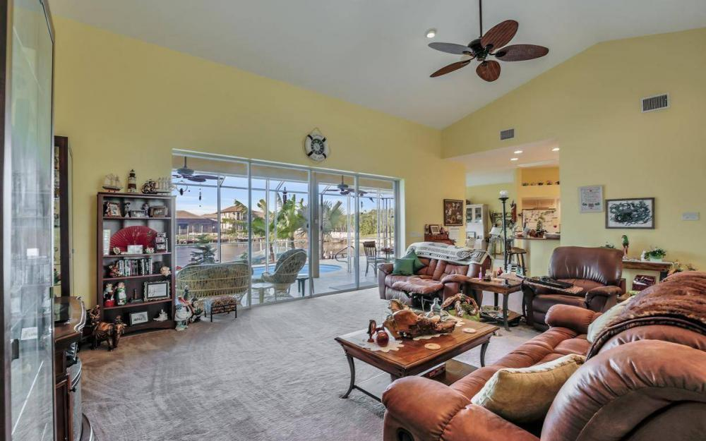 2813 SW 43rd Ln, Cape Coral - Home For Sale 308733538