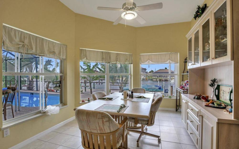 2813 SW 43rd Ln, Cape Coral - Home For Sale 1279563745