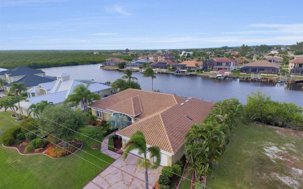 2813 SW 43rd Ln, Cape Coral - Home For Sale 874925341