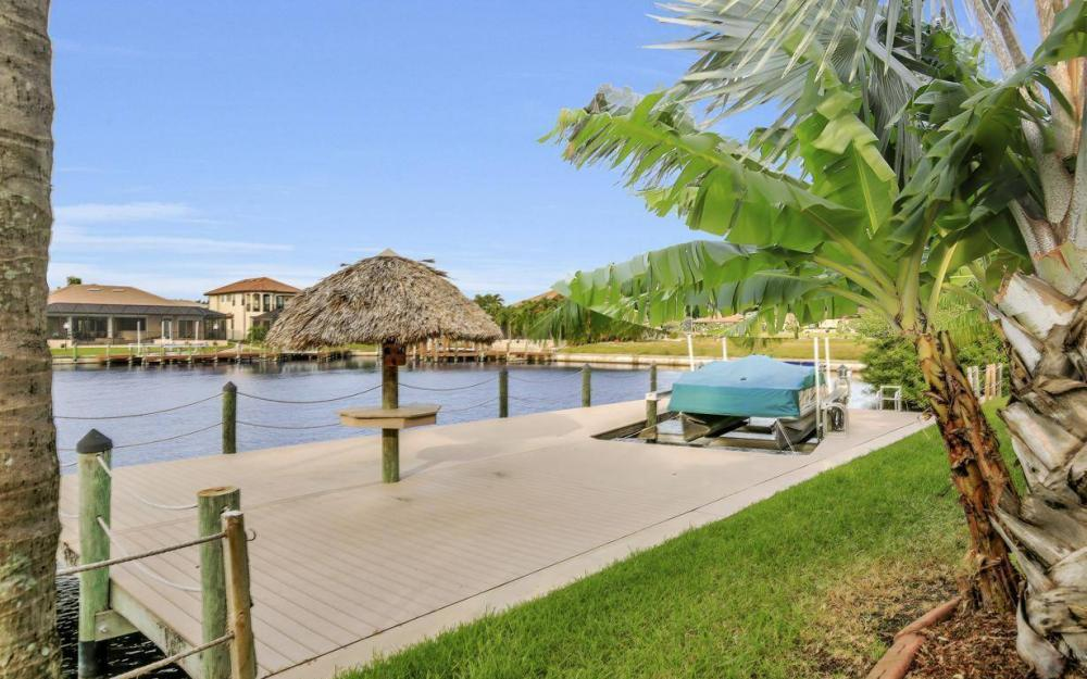 2813 SW 43rd Ln, Cape Coral - Home For Sale 208431262