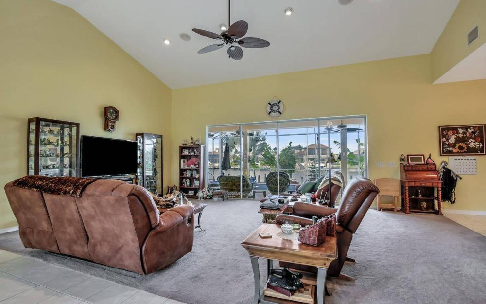 2813 SW 43rd Ln, Cape Coral - Home For Sale 1285115144