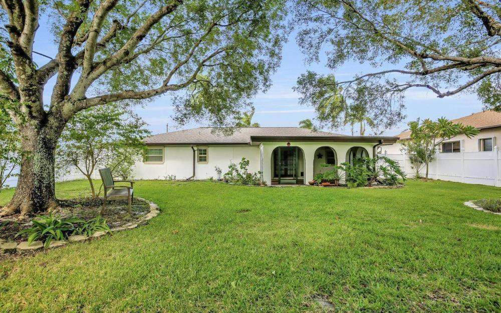 4637 SE 20th Ave, Cape Coral - Home For Sale 1130334289