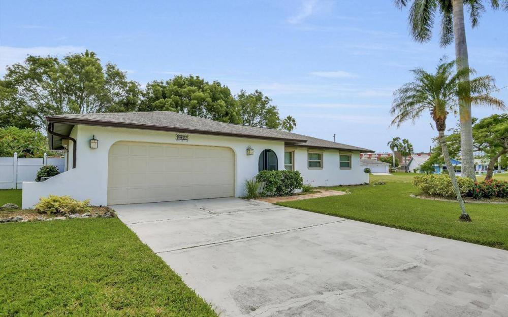 4637 SE 20th Ave, Cape Coral - Home For Sale 710603836