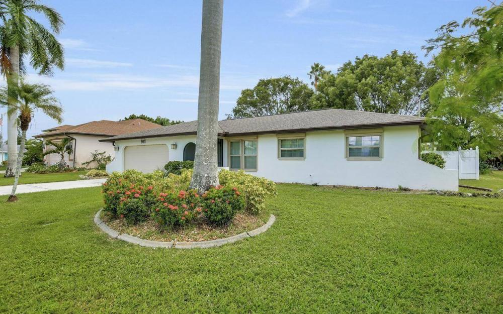 4637 SE 20th Ave, Cape Coral - Home For Sale 1400220556
