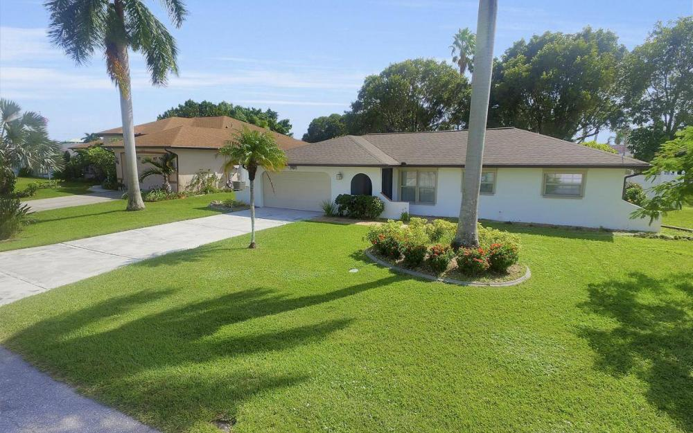4637 SE 20th Ave, Cape Coral - Home For Sale 264114585