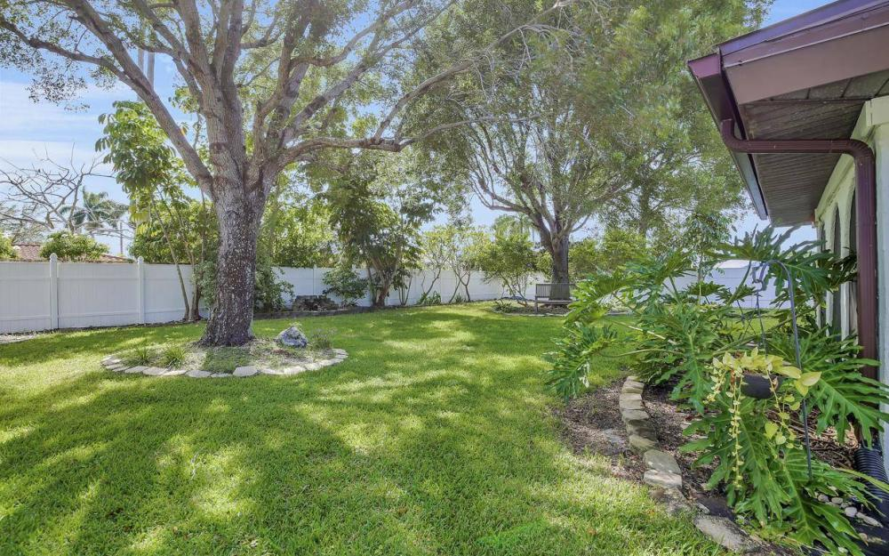 4637 SE 20th Ave, Cape Coral - Home For Sale 2049533061