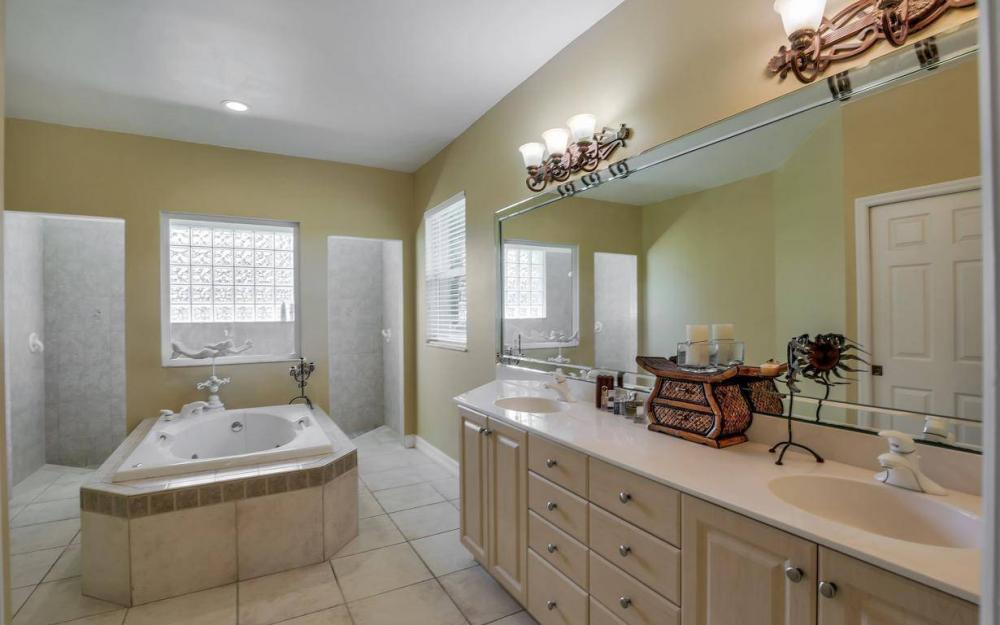 18680 Old Bayshore Rd, North Fort Myers - Home For Sale 278987171