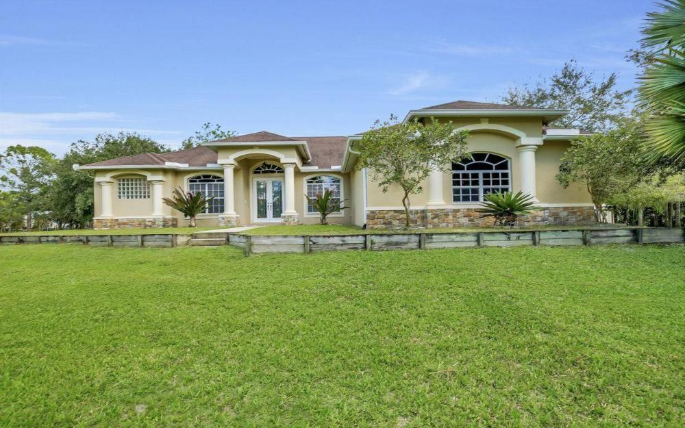 18680 Old Bayshore Rd, North Fort Myers - Home For Sale 998582422