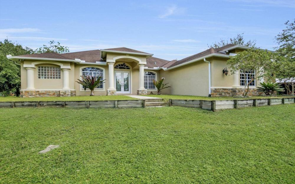 18680 Old Bayshore Rd, North Fort Myers - Home For Sale 1734535410