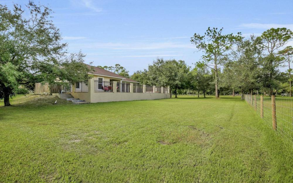 18680 Old Bayshore Rd, North Fort Myers - Home For Sale 82695237