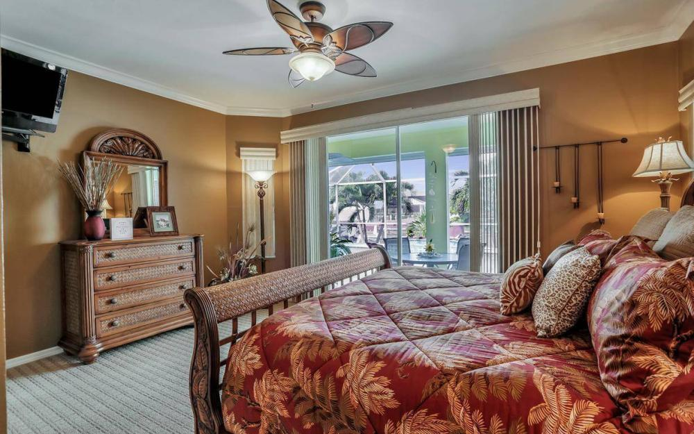 1529 SW 54th Ter, Cape Coral - Home For Sale 933506744