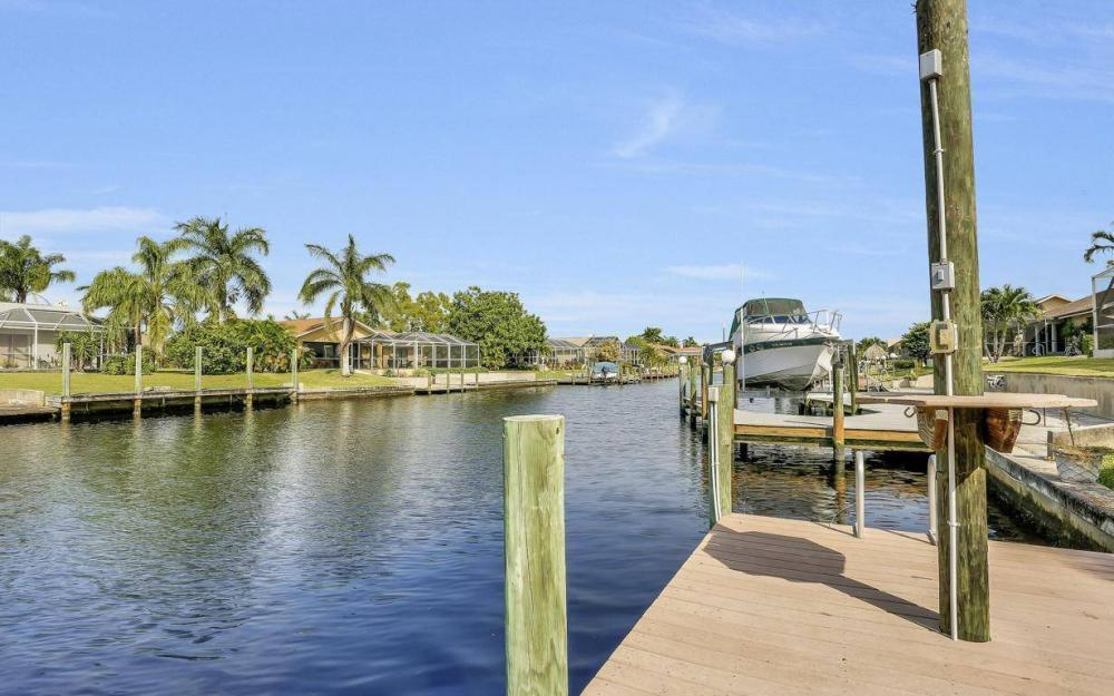 1529 SW 54th Ter, Cape Coral - Home For Sale 332364388