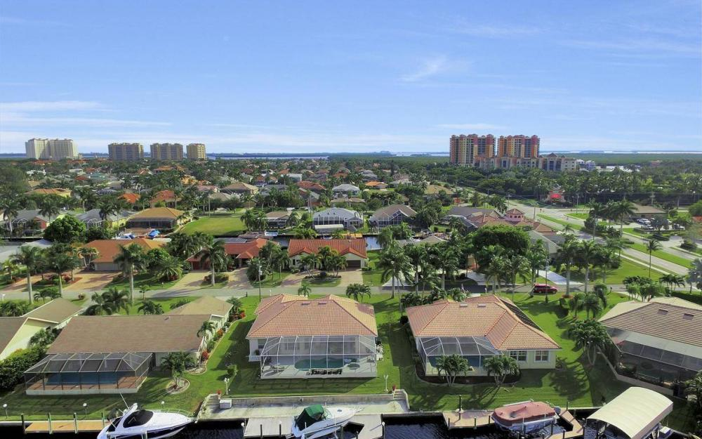 1529 SW 54th Ter, Cape Coral - Home For Sale 1400043610