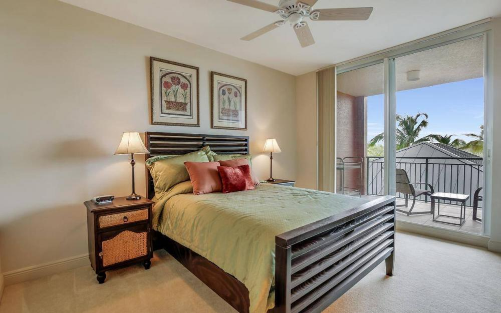 445 Cove Tower Drive #402, Naples - Condo For Sale 309371397