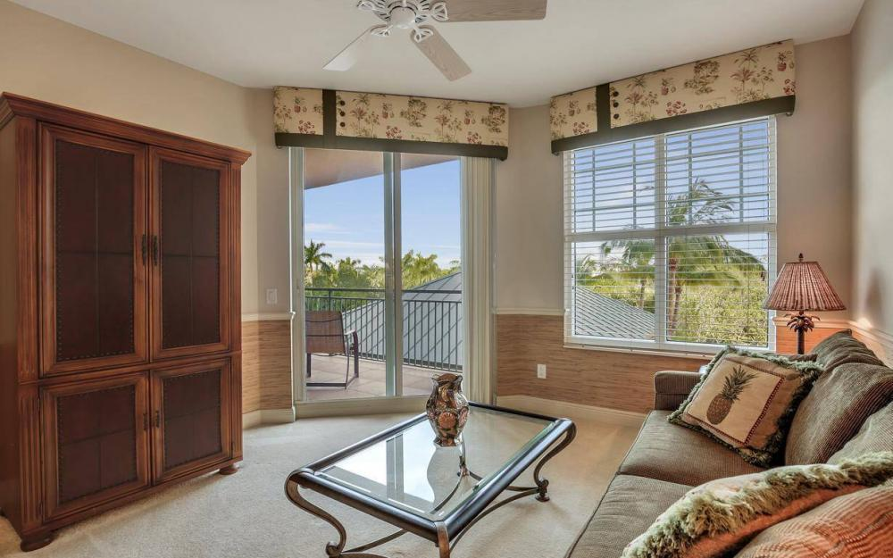 445 Cove Tower Drive #402, Naples - Condo For Sale 471367535