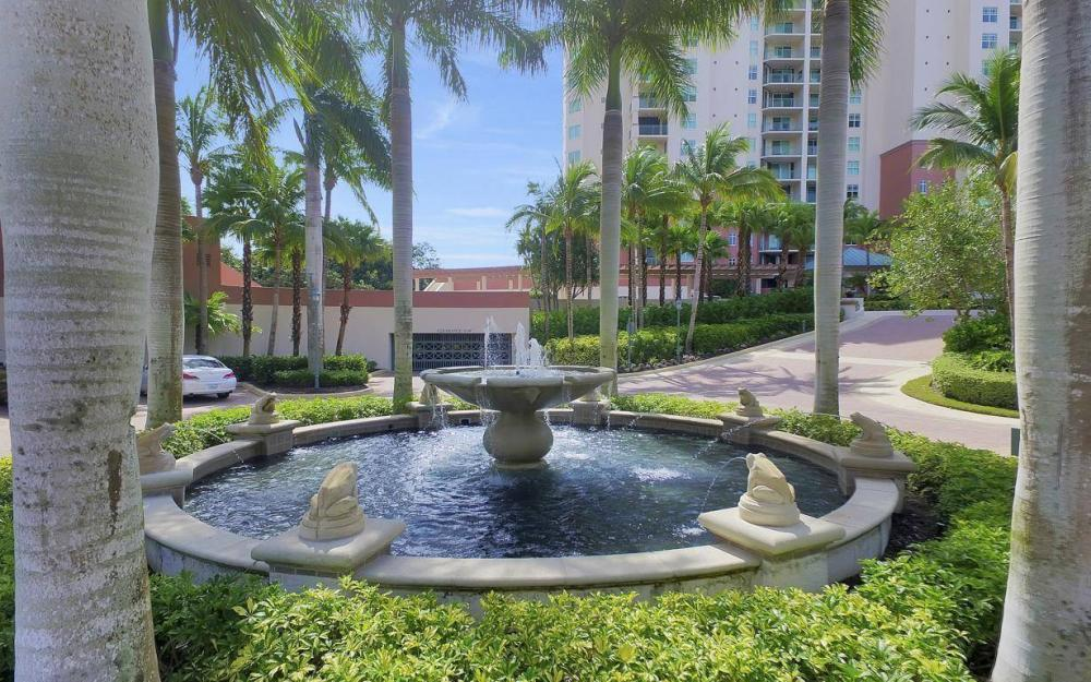 445 Cove Tower Drive #402, Naples - Condo For Sale 583736076