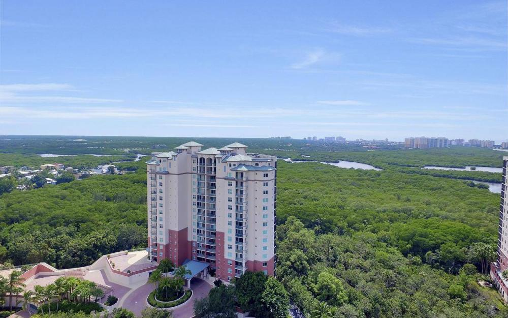 445 Cove Tower Drive #402, Naples - Condo For Sale 1006824722