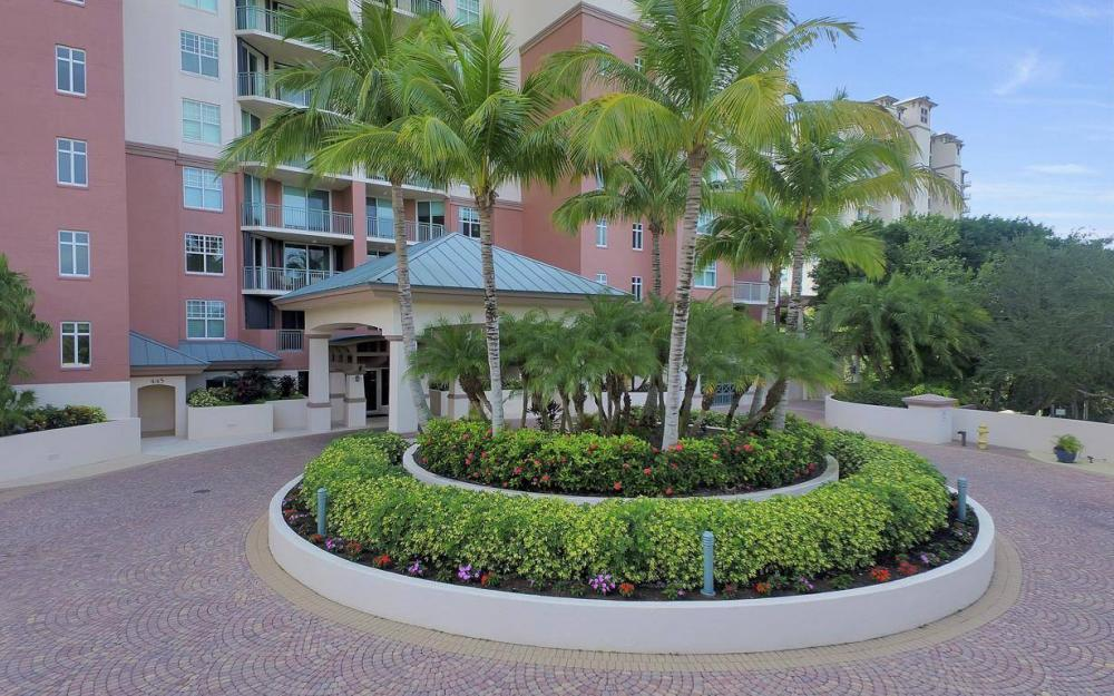 445 Cove Tower Drive #402, Naples - Condo For Sale 880065086