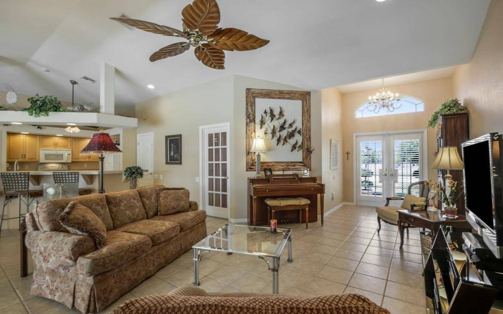 523 NW 35th Pl, Cape Coral - Home For Sale 377657811