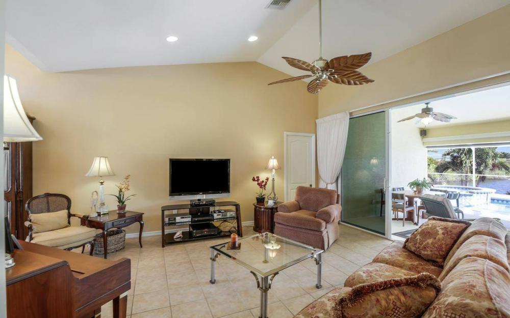 523 NW 35th Pl, Cape Coral - Home For Sale 1769627224