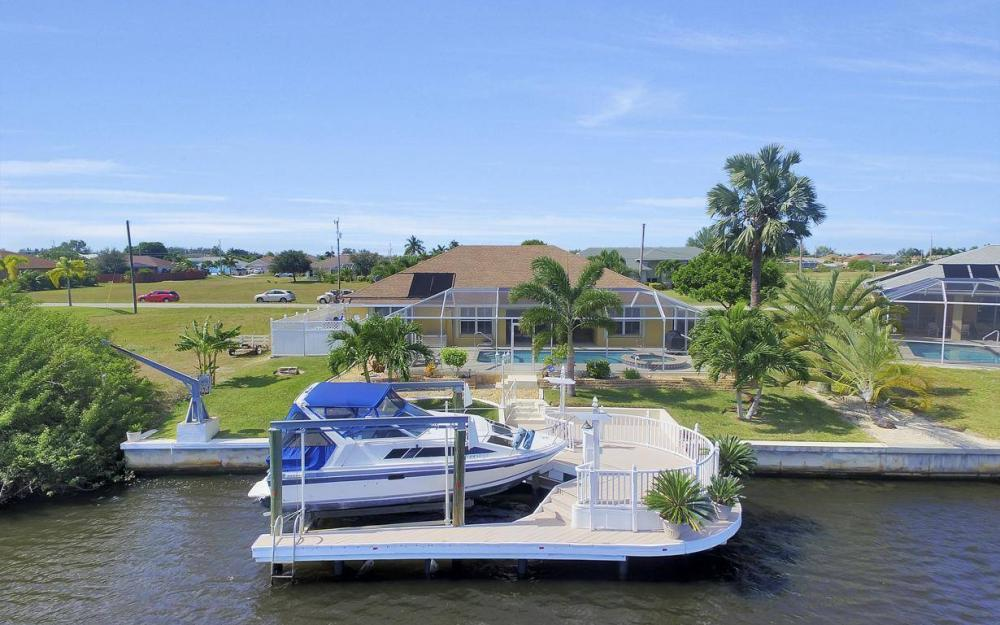 523 NW 35th Pl, Cape Coral - Home For Sale 2114148582