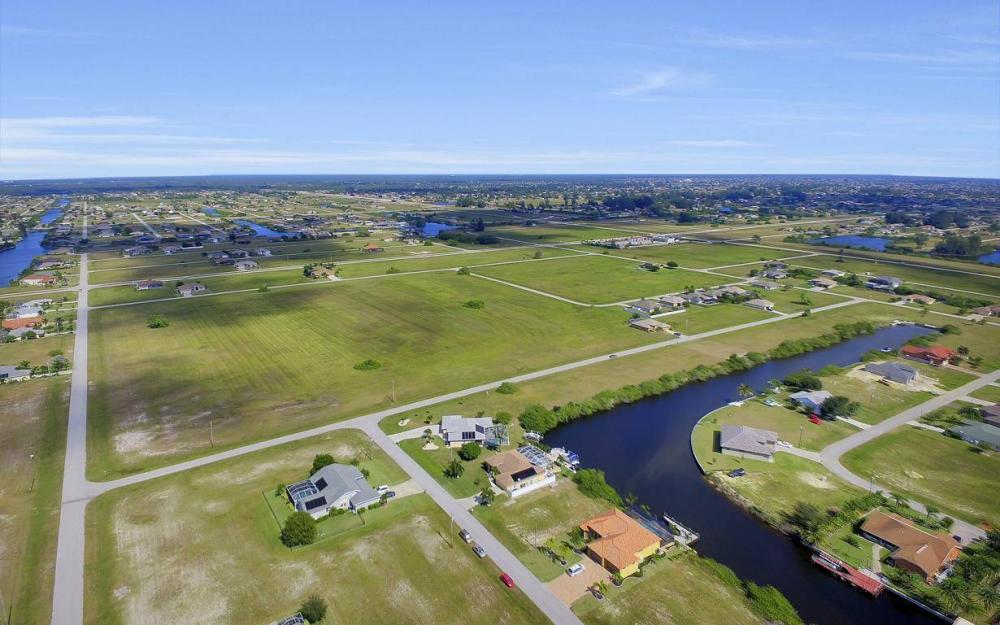 523 NW 35th Pl, Cape Coral - Home For Sale 1073355091
