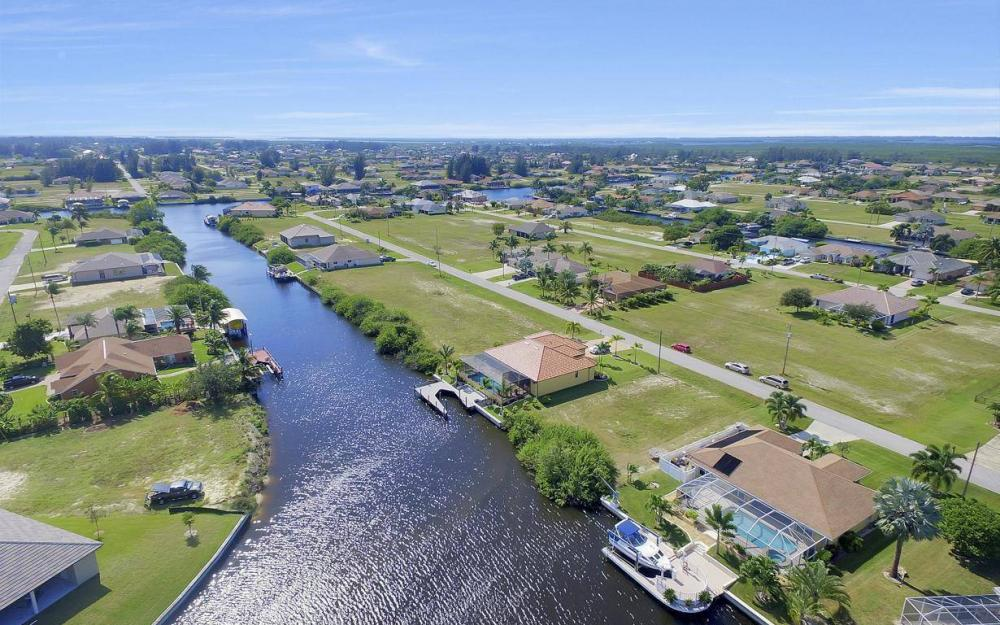 523 NW 35th Pl, Cape Coral - Home For Sale 119205516